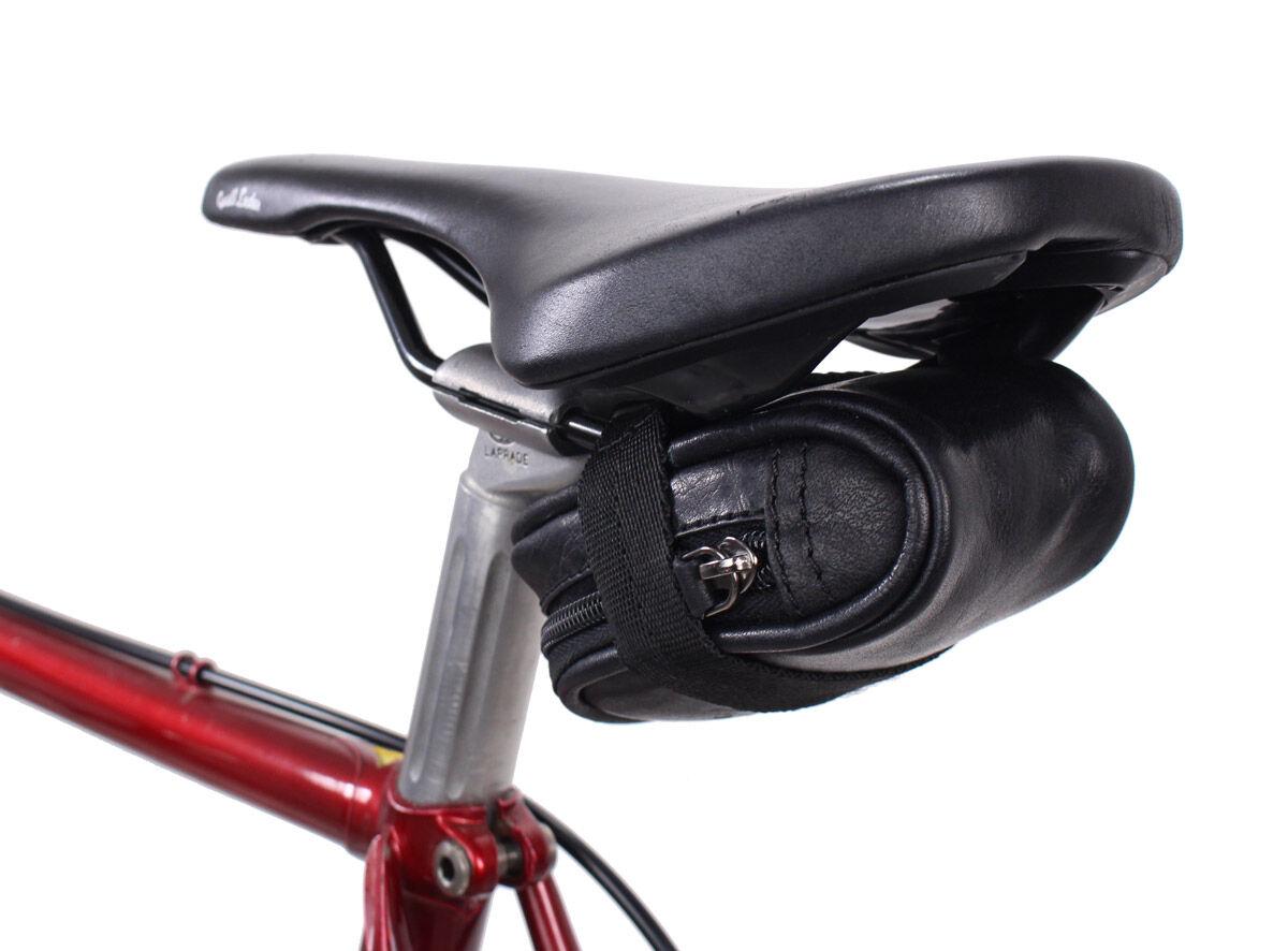 Outlet Fahrradtasche – defekter Verschluss - faltiges Leder – ansonsten neu – Siehe Video