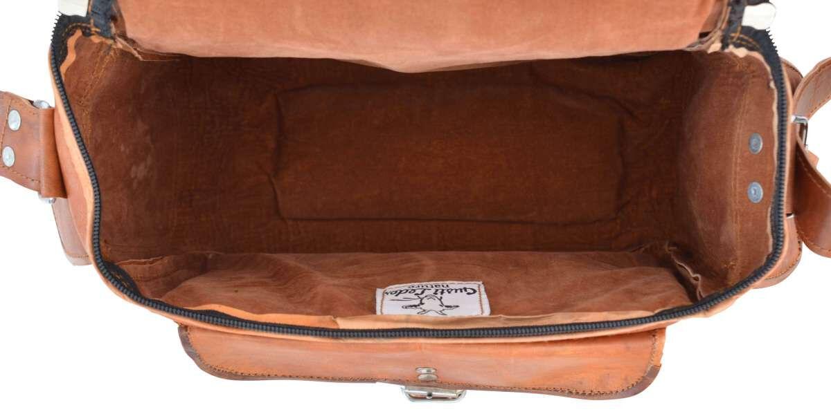 Outlet Kameratasche - kleinere Lederfehler - faltiges Leder - strenger Geruch – ansonsten neu – Sieh
