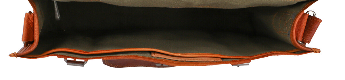 Outlet Umhängetasche – Verfärbungen - kleinere Lederfehler - leichter Rost – ansonsten neu – Siehe V