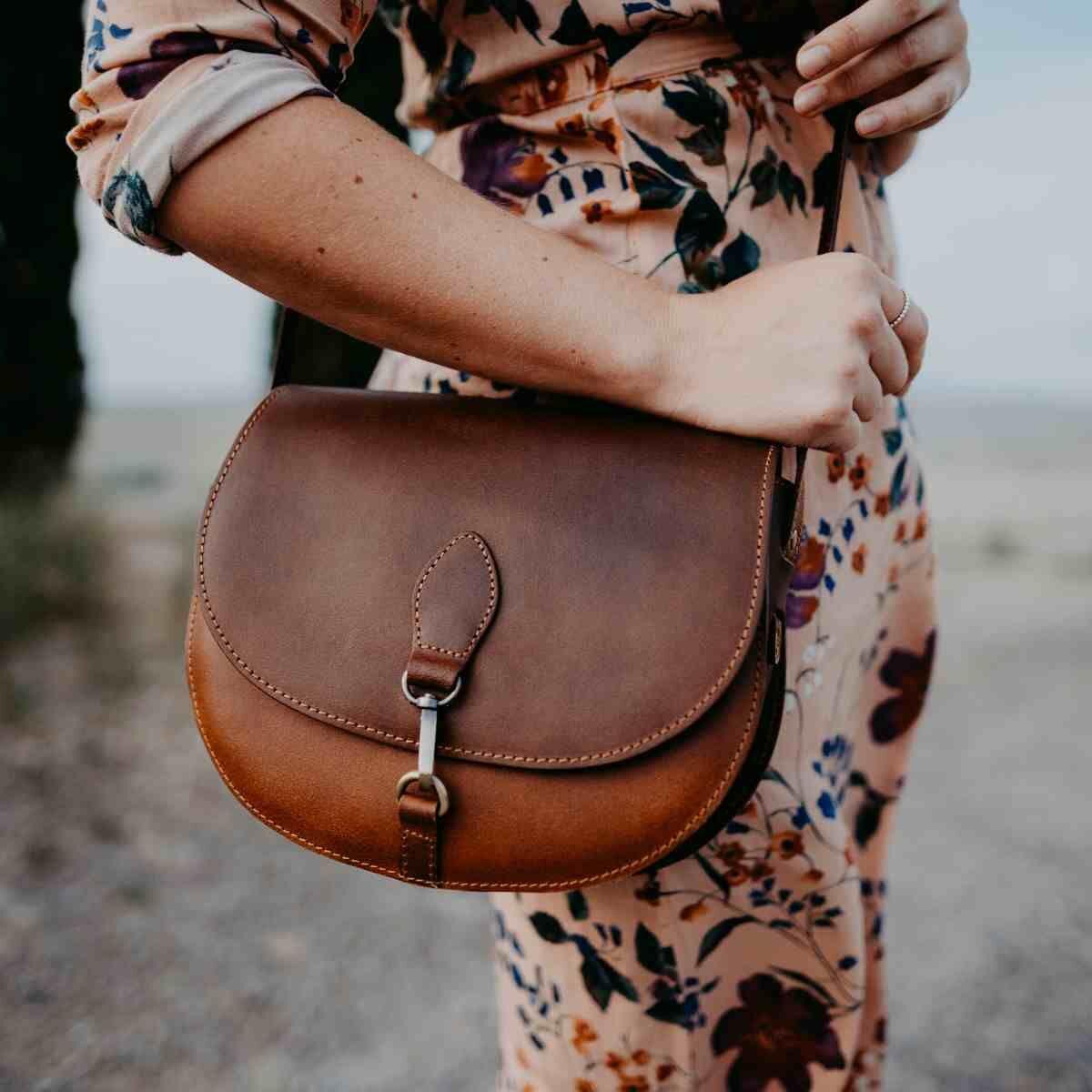 Autotasche und GeldtaGeldtäschchen **echtes Leder **Handarbeit **Edelrot