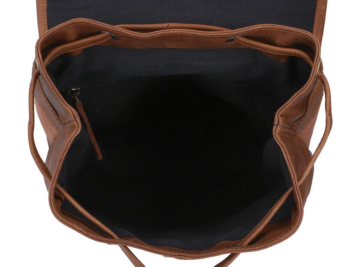 Outlet Rucksack - kleinere Lederfehler - faltiges Leder - ansonsten neu - siehe Video